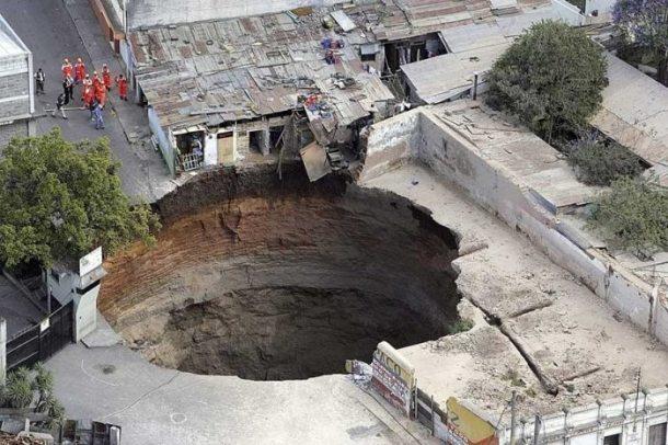 guatemala-sink-hole-2