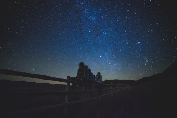 star-gazing-1149228_1280